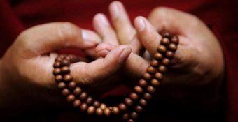 mala-prayer-beads-with-monk